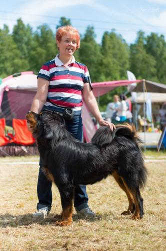Rahvusvaheline koertenäitus Pärnus 10.07.2017 Kohtunik Igoris Zizevskis Leedu Avaklass 1.koht Parim emane 3